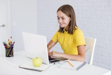 Dlaczego warto uczyć się języka obcego online?